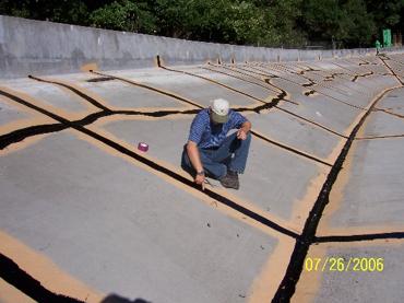 Cracks in reservoir stipe coated